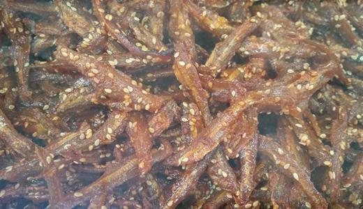 小鱼小虾存储难? 食品机械搬上船直接进行深加工